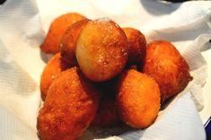 recette de sfenje marocain ou beignet moelleux fait maison , cette recette de beignet est tellement facile à réaliser chez soi ,