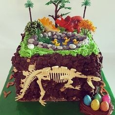 This dino disaster. | 18 Cake Fails That Are Guaranteed To Make You Laugh