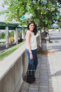 http://1.bp.blogspot.com/-mlCq1DIAfvk/VgGvMWyMV6I/AAAAAAAANXE/P3aWnm_-pAY/s1600/flared-jeans-crop-top-1.jpg