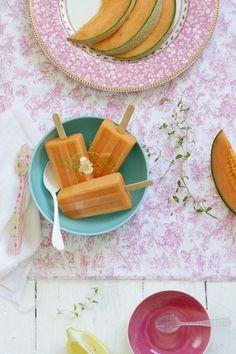 Polos de Melón (cantaloupe melon ice pops)
