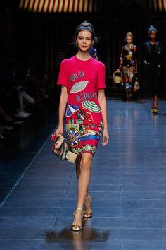 dolce-and-gabbana-summer-2016-women-fashion-show-runway-45
