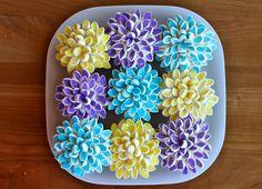 cut mini marshmallows diagonally !  Marshmallow Flower Cupcakes