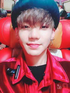 """""""""""마지막 무대, 끝까지 즐기고 내려오겠습니다. 무대에 설 수 있게 응원해주셔서 감사합니다. 앞으로도 멋진 모습 계속 보여드리겠습니다! 파이팅!"""" #김세윤 #믹스나인 #MIXNINE #FINAL #오늘밤11시"""" Love U So Much, I Love You Baby, Yg Trainee, Treasure Planet, Hyun Suk, Kim Min Seok, Line Friends, Kpop, Treasure Boxes"""