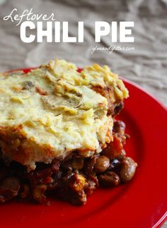 Leftover Chili Pie: My new favorite leftovers recipe!