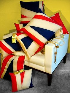 Deconstructed union jack flag cushions by Tim Neve - GENIUS!! This could be done with almost ANY design, not just flag! - H. Scott