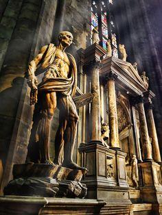 Interior of Mariae Nascenti Cathedral – Milan, via Flickr.
