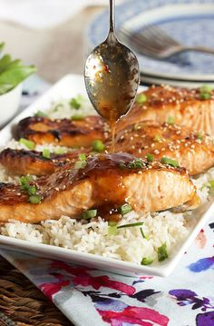 Ready in minutes, this easy to make Sweet Chili Orange Glazed Salmon recipe is a huge hit with the entire family. | @suburbansoapbox