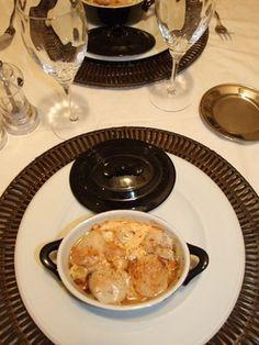 """750g vous propose la recette """"Cocotte de Saint-Jacques"""" publiée par claudi5S."""