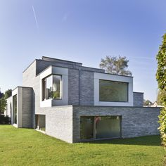 HOUSE VCC by Enplus Architecten