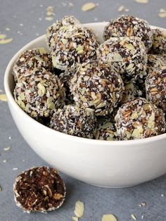 Healthy No-Bake Chocolate Energy Bites | yummyaddiction.com