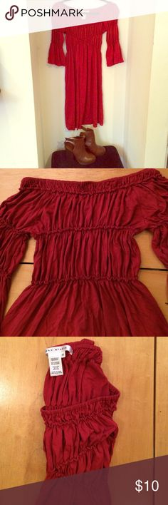 Max Studio bell sleeve off/on shoulder dress A true, beautiful red with a cut to make you strut like a real boho princess 👑. Stretchy and likely fits S/M too*. Hardly ever worn and in perfect condition. Lovely color for this time of year. Some dangling hoops or a choker necklace would be fabulous. The best part is the versatility of the sleeves; they can stay on or off the shoulder, your choice! Cinched criss cross in front is so pretty. Comfy and wearable to both dressy and casual…