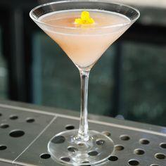Découvrez la recette Cocktail litchi, gingembre et champagne sur cuisineactuelle.fr.