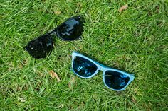 18. 1242 Oakley Ray-Ban (Pasaż +2) - okulary przeciwsłoneczne Persol (czarne) i Ray-Ban (błękitne)