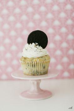 Cupcakes mit Oreo-Boden und Keksstücken – köööööstlich!
