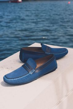 Ooze relaxed sophistication with the Bahamas breathable loafer from Italian brand Moreschi. Also available in brown. New Shoes, Boat Shoes, Shoe Horn, Shoe Tree, Italian Shoes, Hot Days, Types Of Shoes, Suede Leather, Footwear