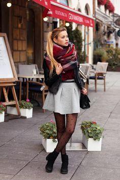 Juliette in Wonderland: Checked scarf