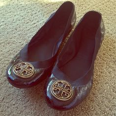 Tory Burch patent leather black flats 8.5 These are excellent condition Tory Burch flats in patent leather black. They are size 8.5. They have only been worn once at the mall. Tory Burch Shoes Flats & Loafers