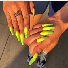 Make an original manicure for Valentine's Day - My Nails Dope Nails, Nails On Fleek, Fun Nails, Nail Swag, Lime Green Nails, Gorgeous Nails, Nails Inspiration, How To Do Nails, Coffin Nails