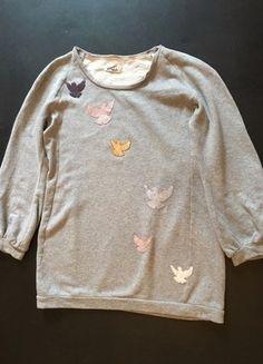 Kaufe meinen Artikel bei #Kleiderkreisel http://www.kleiderkreisel.de/damenmode/pullis-and-sweatshirts-langarmlig/149103326-graues-sweatshirt-mit-glitzer-vogeln