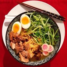 You may be wrong if you think Ramen is just college kids' food. Look at this Cooksnap of Chicken Ramen! Looks yummy, huh? ;)
