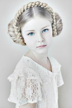 "girl with two buns and a braided headband. (created with ""sock buns"" and synthetic braid.) # Braids for girls sock buns Precious Children, Beautiful Children, Modelo Albino, Beautiful Eyes, Beautiful People, Hello Beautiful, Girls Braids, Cute Kids, Trendy Kids"