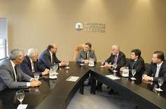 Así Somos: Llaryora se reunió con el presidente del Consejo d...