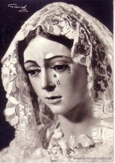 Virgen de la Esperanza A vintage postcard of the statue of Our Lady of Hope of Macarena in Seville. Our Lady Of Sorrows, Virgin Mary, Madonna, Cool Designs, Beautiful Pictures, Statue, Vintage, Art Life, Catholic