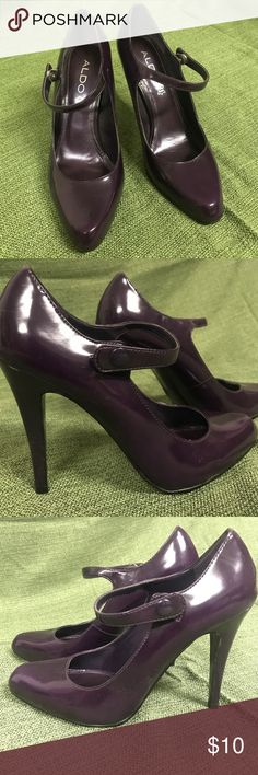 Nine West purple pumps Leather pumps with some scuffs. Otherwise good condition. Nine West Shoes Heels