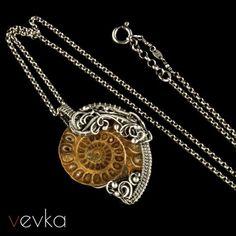 """Wisior z amonitem """"Milczące dusze""""II - Vevka.pl - autorska biżuteria artystyczna"""
