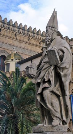 I LOVE this picture: Duomo in Palermo, Sicily