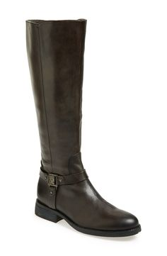 Classic style riding boots for winter. Love them!