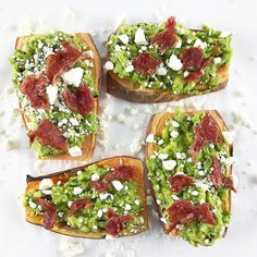 It's Friday y'all!!  I'm currently nursing a pretty wicked head cold  enjoying this sweet potato toast and praying my youngest naps for wee bit longer until we go pick up my older daughter   __________  sweet potato toast topped with mashed avocado @traderjoes everything but the bagel spice feta and @applegate uninvited turkey bacon   __________ What are you up to today?? __________ #milknhoneynutrition #sweetpotatotoast #baconbaconbacon #feta #friyay #happyweekend #healthyfats…