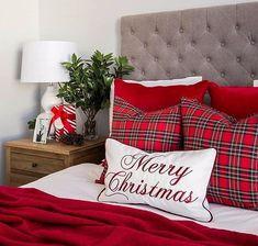 Christmas Bedding, Christmas Cushions, Christmas Colors, Christmas Home, Christmas Ideas, Merry Christmas, Easter Bunny Decorations, Christmas Decorations, Winter Bedroom