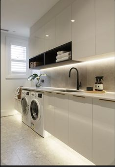 35 Admirable Modern Laundry Room Design Ideas - Laundry room is the place that probably slips in people's mind. Most of them tend to concentrate to design their living room, bed room, bath room, din. Laundry Decor, Laundry Room Organization, Laundry Room Design, Laundry In Bathroom, Basement Laundry, Laundry Basket, Modern Laundry Rooms, Laundry Room Layouts, Laundry Room Remodel