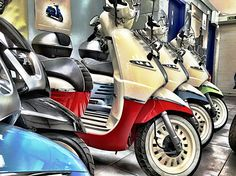 Scooters pick a colo