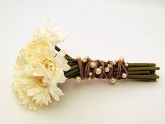 Pearl Wire Ribbon Garland DIY Wreaths & Garlands door SoireeSupply