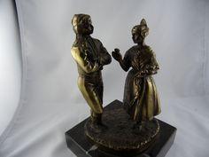 Bronze Messing Adel Dame Herr Tracht Figur Marmor Sokel