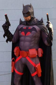 Character: Batman (Thomas Wayne) / From: DC Comics 'Flashpoint' / Cosplayer: Unknown Cosplay Dc, Superman Cosplay, Superhero Cosplay, Cosplay Anime, Best Cosplay, Cosplay Costumes, Pokemon Cosplay, Awesome Cosplay, Batman Vs Superman