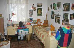 from former East Germany of 1980s typical apartment in den 80er Jahren sahen die Wohnungen in der DDR meist so aus . mitsu-talk.de