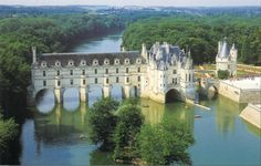 Been: Château de Chenonceau, Loire Valley, France (also known as the Sleeping Beauty Castle). by riczkho Beautiful Castles, Beautiful Buildings, Beautiful Places, Valle Del Loire Francia, The Places Youll Go, Places To See, Angers France, Amboise France, France Wallpaper