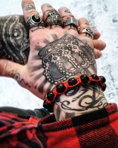 Tattoos 3d, Ring Tattoos, Badass Tattoos, Body Art Tattoos, Sleeve Tattoos, Tattoos For Guys, Sympathy For The Devil, Hand Tats, Cool Hairstyles For Men