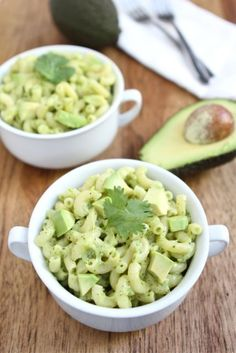Avocado mac & cheese recipe -- avocado is creamy enough to let you use less cheese and keep it light!