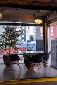 La Fleuriste - Corporativo Chair, Places, Furniture, Home Decor, Corporate Events, Decoration Home, Room Decor, Home Furnishings, Stool