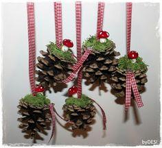 m - Noel Artisanal Pour Enfants Pine Cone Crafts, Decor Crafts, Holiday Crafts, Diy And Crafts, Holiday Decor, Noel Christmas, Homemade Christmas, Christmas Wreaths, Christmas Ornaments