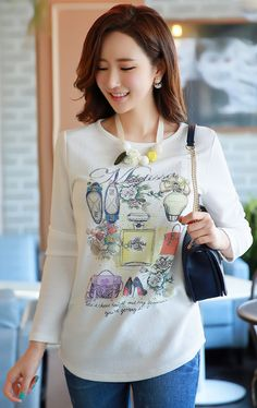 StyleOnme_Hotfix Stud Detail Fashion Illustration Print Tee #white #fashion #tee #koreanfashion #springtrend #kstyle #dailylook #casualwear