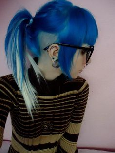 Awesome dye job! but if i were to get it someone might think that im trying to be the N/F Mustangs mascot :/