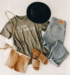 My faves at the mo. ALLLLL about the comfort with an added bit of styllllllle😎 I'm very much a neutral girl at heart but this khaki is seriously so good. I have made it one of my new neutrals! Inside Out, Neutral, Tees, Heart, Prints, Cotton, Clothes, Design, Women