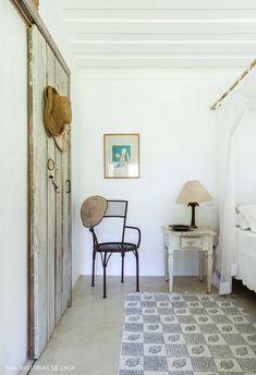 Uma casinha encantadora em Trancoso | Histórias de Casa Shabby Chic, Room Decor, Beach Houses, Mirror, Montana, Feels, Inspire, Inspiration, Furniture