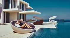 VONDOM is a leader company of avant-garde outdoor furniture, pots, planters, lamps and rugs for modern indoor & outdoor contract spaces.