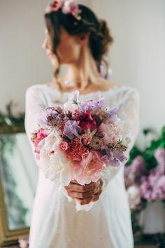 Pierre Atelier - Une mariee romantique en rose et lilas - Mymoon - La mariee aux pieds nus | la mariee aux pieds nus